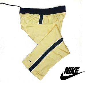 Nike Womans Low Rise Capri
